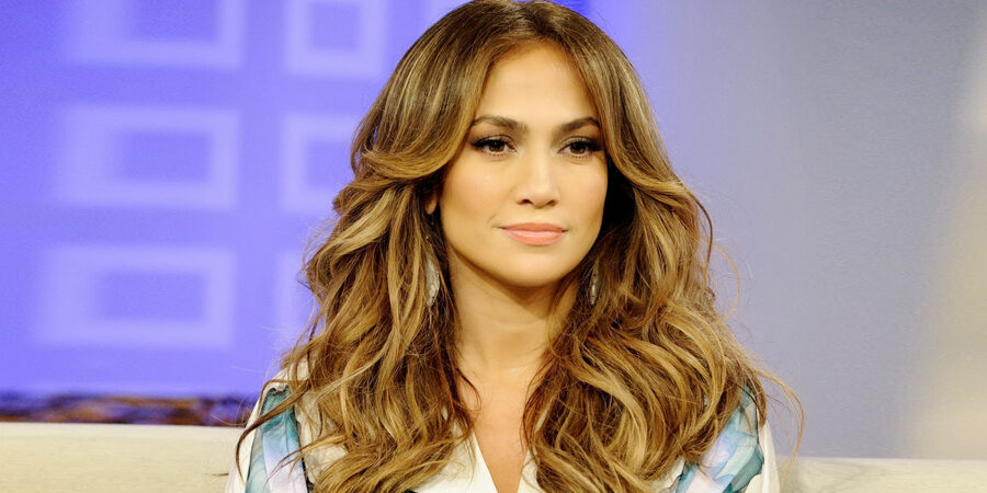 Jennifer Lopez Talks to 'Para Todos' About Her Proudest Accomplishments